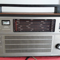 RADIO SELENA B 216  . FUNCTIONEAZA ,