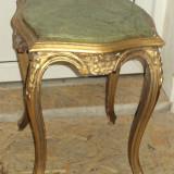 Masuta, piedestal in stil francez din lemn sculptata si foita
