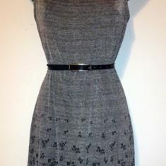 Rochie gri cu imprimeu - marca Vero Moda - Rochie de zi Vero Moda, Marime: S, Culoare: Din imagine