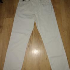 Pantaloni Hugo Boss din denim marimea W34 L32