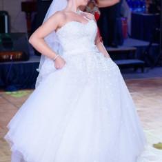 Vand rochie de mireasa stil printesa cu pietricele corset se modifica, Rochii de mireasa printesa