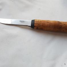 Cutit Helle lama 12 cm maner de pluta - 240 lei - Briceag/Cutit vanatoare