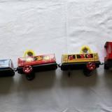 Trenulet electric jucarie veche chinezeasca din tabla anii 70 80 - Colectii
