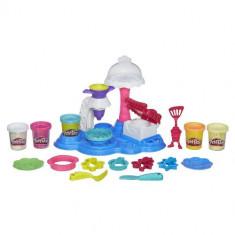 Set Plastilina Play-Doh Town - Petrecere cu Prajituri - Jocuri Logica si inteligenta Hasbro