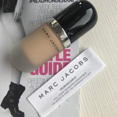 Fond de ten rezistent Marc Jacobs full cover Nuanta 32 Beige Light, Lichid
