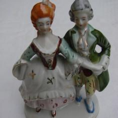 Bibelou din portelan vechi german - barbat cu femeie dansand - Bibelou vechi