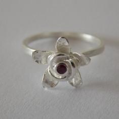 Inel argint cu rubin -2198