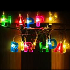 Ghirlanda multicolora Happy Birthday, 13 LED-uri, lungime 1.35 m - Decoratiuni petreceri copii