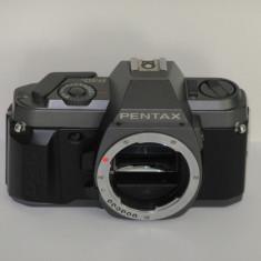 Pentax P30 - Body - partial defect - Transport gratuit prin posta! - Aparat Foto cu Film Pentax