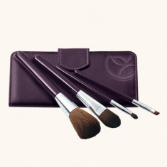 Trusa indispensabilă pentru machiaj - Trusa make up Yves Rocher