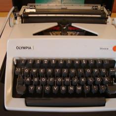 Masina de scris OLIMPIA MONICA+banda noua de scris