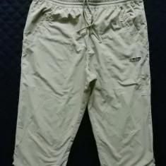 Pantaloni ¾ Adidas. XL: 86 cm talie, 55 cm lungime, 26.5 cm crac etc.; ca noi - Bermude barbati, Culoare: Din imagine