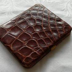 Portofel vintage din piele de crocodil autentica rama metalica suflata cu aur - Portofel Dama, Culoare: Maro