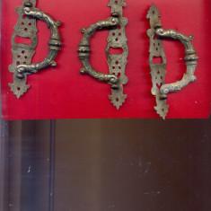 Manere pentru sertar-Set de 3 manere vechi-desigtn antic, conform scan - accesoriu mobila