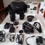 Pachet ap.foto Sony A5000 + 3 obiective + accesorii - Aparate foto Mirrorless