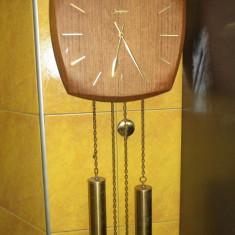 Ceas cu 2 greutati de perete marca Junghans perfect functional - Pendula