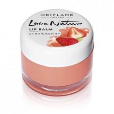 Balsam de buze cu extract din căpșuni Love Nature - Ruj Oriflame