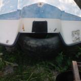 Barca din Fibra - Barca cu motor