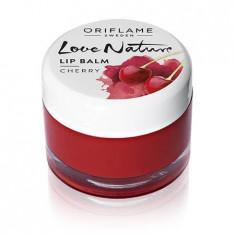 Balsam de buze cu extract din cireșe Love Nature - Gloss buze Oriflame