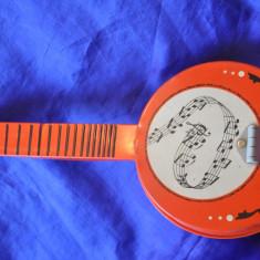 Mandolina chinezeasca, din tabla. Jucarie veche de colectie! - Jucarie de colectie