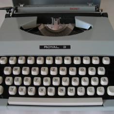 Masina de scris ROYAL SIGNET made in Japan+banda noua de scris