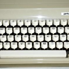 Masina de scris portabila - Privileg 350- Fabricata in Germania anii'60-'70