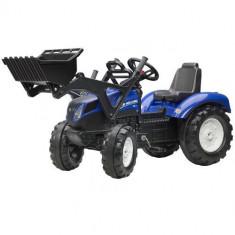 Tractor New Holland T8 Cu Cupa, Falk