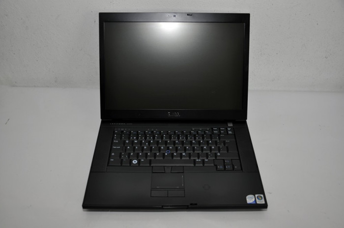"Laptop Dell E6500 15.4"" P8400 2.26 GHz 2 GB RAM 160 GB HDD Wi-Fi foto mare"