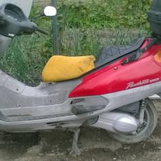 Scuter Honda KF02
