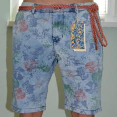 Blugi Bermude barbati Londsdale Pantaloni scurti jeansi subtiri model floral, Marime: 30, 32, 38, Culoare: Albastru, Bumbac