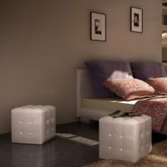 Set taburete cu formă cubică, Alb