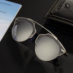 Ochelari De Soare Unisex Model Potrivit Pentru Oricine - UV400 - Argintiu