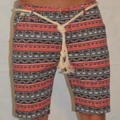 Bermude barbati Londsdale Pantaloni scurti blugi subtiri model indeit, Marime: 29, 30, 36, 38, Culoare: Negru, Rosu, Verde, Bumbac