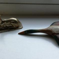 Lot 2 figurine tematica vanatoare rata salbatica pui de caprioara vanator rate - Miniatura Figurina