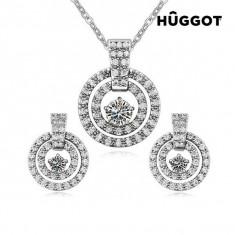 Set Placat cu Rodiu: Pandantiv şi Cercei cu Zirconii Labyrinth Hûggot (45 cm) - Set bijuterii handmade si fashion