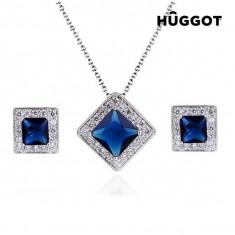 Set Placat cu Rodiu: Pandantiv şi Cercei cu Zirconii Square Hûggot (45 cm) - Set bijuterii handmade si fashion
