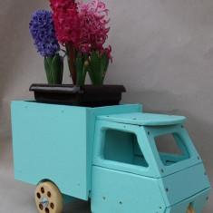 Obiect decorativ - auto din lemn tip Piaggio Ape lucrat manual