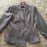 Vand costum cu pantalon, de dama, 100% lana, designer portughez - Costum dama, Marime: 40, Culoare: Gri