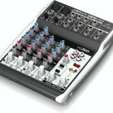 Mixer audio  Behringer Xenyx Q802 USB + set microfoane Behringer C2