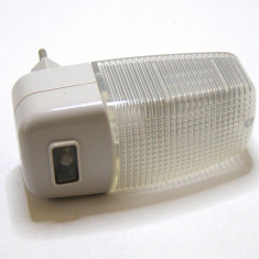 Lampa de veghe cu senzor crepuscular(1199) - Accesoriu instalatie electrica
