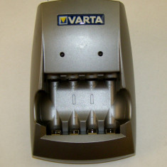 Incarcator Varta 2X2xAAA sau 2X2xAA(1175) - Incarcator Aparat Foto