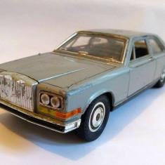 Macheta masina Burago Rolls-Royce Camargue 1/22 Italia, colectie, decor - Macheta auto
