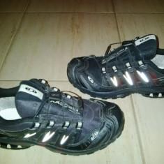 Adidasi, ghete de tura marca Salomon marimea 38 2/3 - Adidasi barbati Salomon, Culoare: Negru