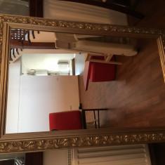 Oglinda stil baroc, rama din lemn argintiu