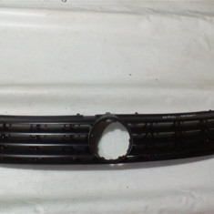 Grila radiator Vw Passat An 1996-2000