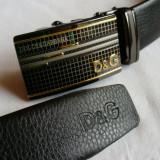 Curea D  &  G negru pentru pantaloni, blugi, catarama metalica argintie - aurie