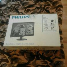 Monitor LED Philips 193V5LSB2/10 18.5 inch 5ms black