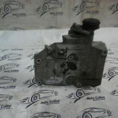 Suport accesorii motor VW Passat B5 1, 9TDI an 2004 cod 038260885C - Componente moto