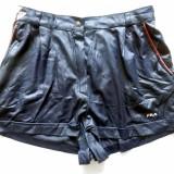 Pantaloni scurti FILA Made in Italy; marime 42, vezi dimensiuni; impecabili - Pantaloni dama, Culoare: Din imagine