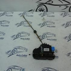 Broasca inchidere usa dr spate VW Touareg An 2004-2008 cod 3D1837016